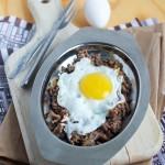 Volite ih, ali da li ste probali jaja sa faširanim mesom? Jelo iz jedne tave, inspirisano doručkom, gotovo za 20 minuta.