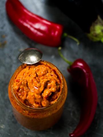 ajvar, domaci ajvar, pindjur, ajvar, paprike, ajvar od paprika i patlidzan | balkanlunchbox.com