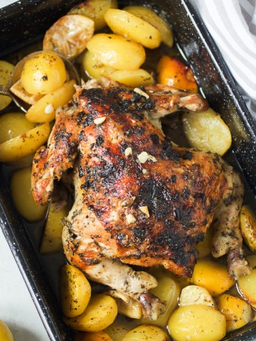 Pečena Piletina sa Limunom: najlakši, i najbolji način da impresionirate goste. Prelagana za napraviti, ali neću vas izdati.