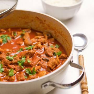 Stew in a pan, sideview.