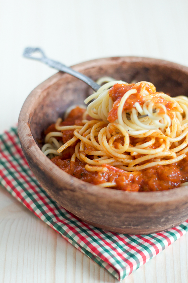 Salsa Preparation Dalmatian Tomato Sauce main 03