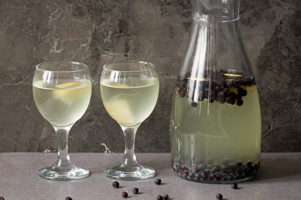 juniper berry juice smreka00