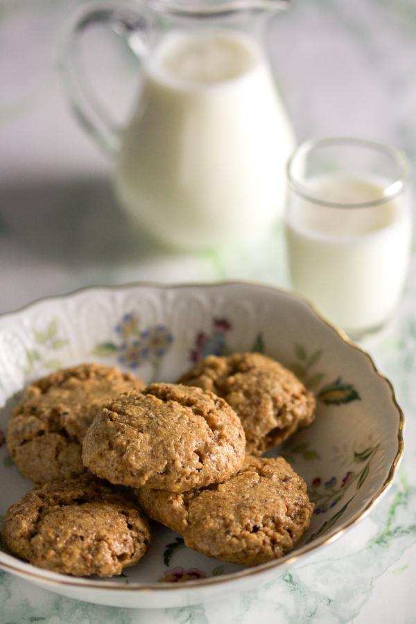 Rapidly fast walnut bites (cookies).
