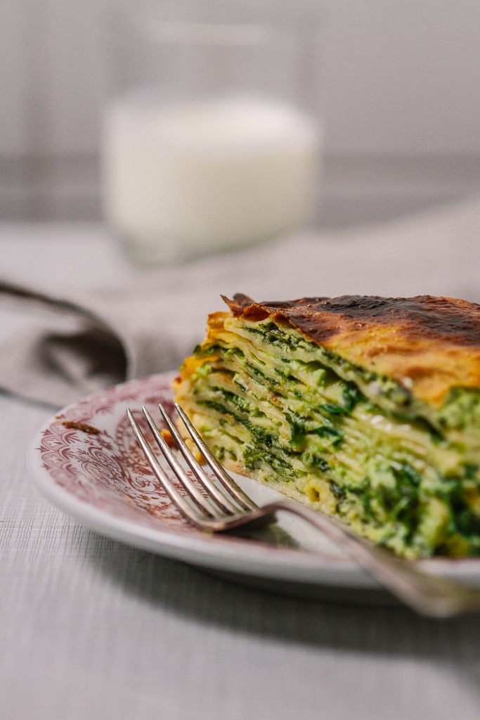 savory crepes, crepes filled with spinach and cheese | balkanlunchbox.com