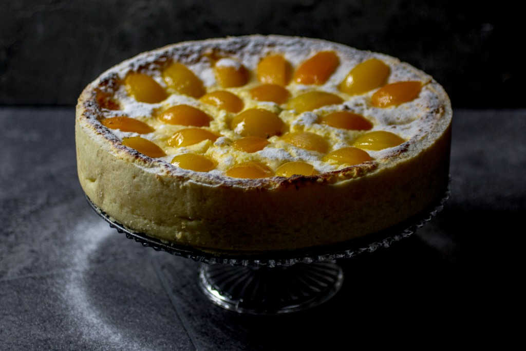 apricot cheesecake, cheesecake, apricots | balkanlunchbox.com
